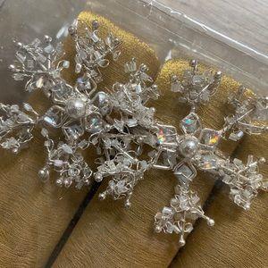 Beaded Snowflake Napkin Rings w/ Decor Napkins